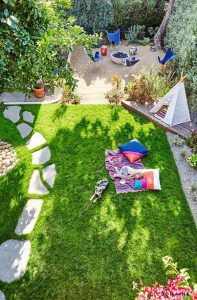 backyard-kidspace-with-landscapes