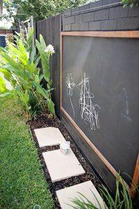 backyard-kidspaces-with-chalkbord-fence