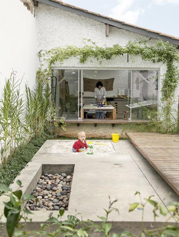 backyard-landscape-design-with-sandbox-play