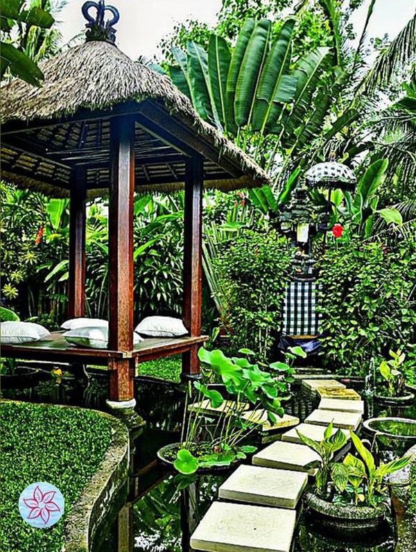 balinese-gazebo-garden-with-ponds