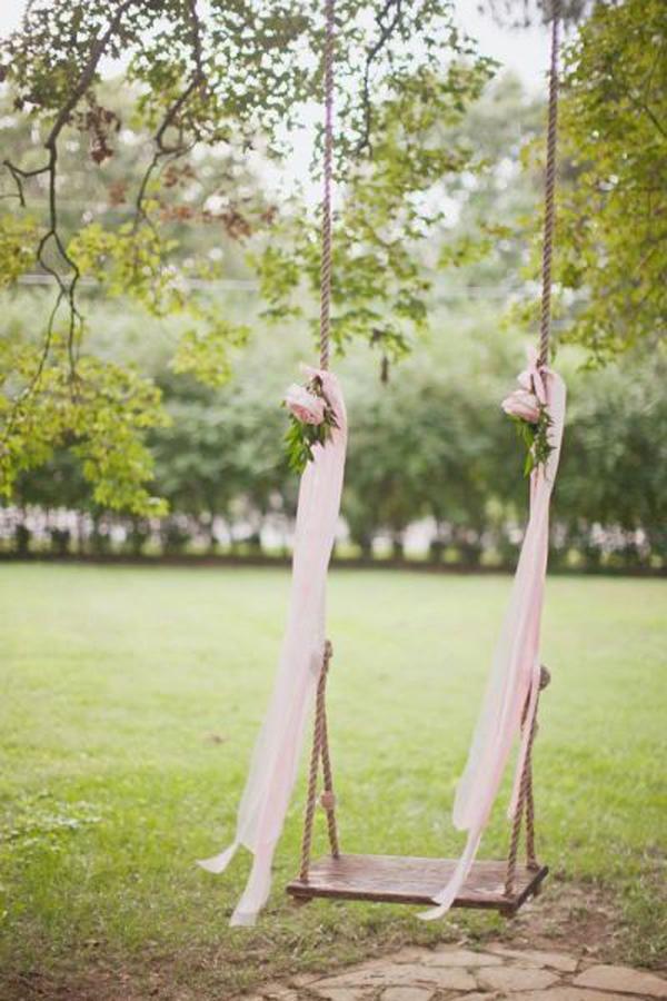 beautiful-cedarwood-floral-swing-for-wedding