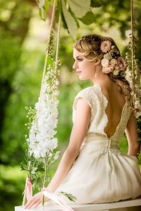 beautiful-floral-swing-ideas-for-wedding