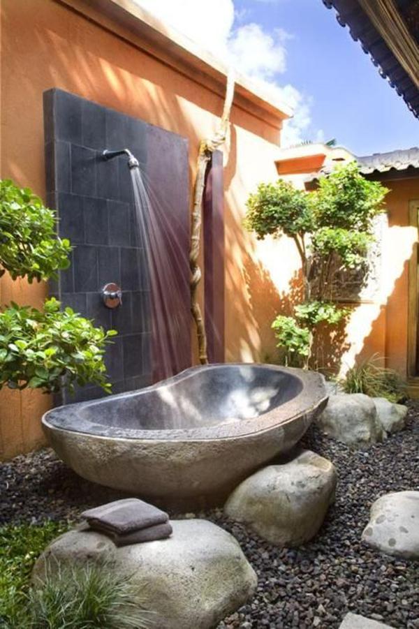 beautiful-outdoor-tub-design