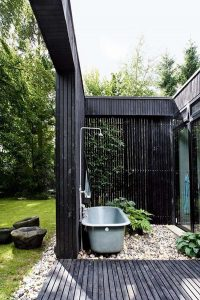 cool-outdoor-shower-and-tub-designs