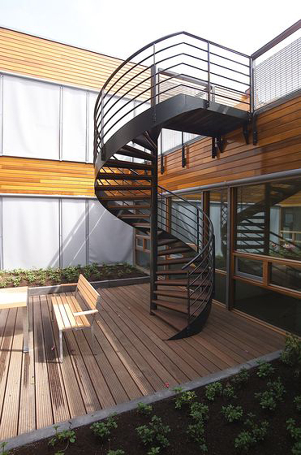 cool-outdoor-spiral-staircase-design-with-deck-floors