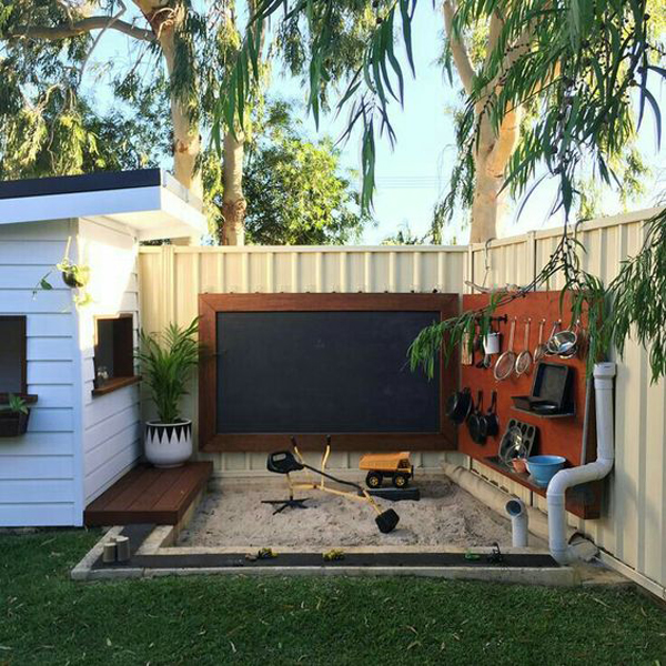 corner-backyard-diy-sandbox-and-play-area