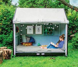 cozy-backyard-reading-nook-for-kids