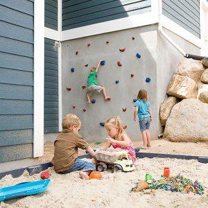 diy-backyard-games-with-giant-sandbox-and-climbing-wall