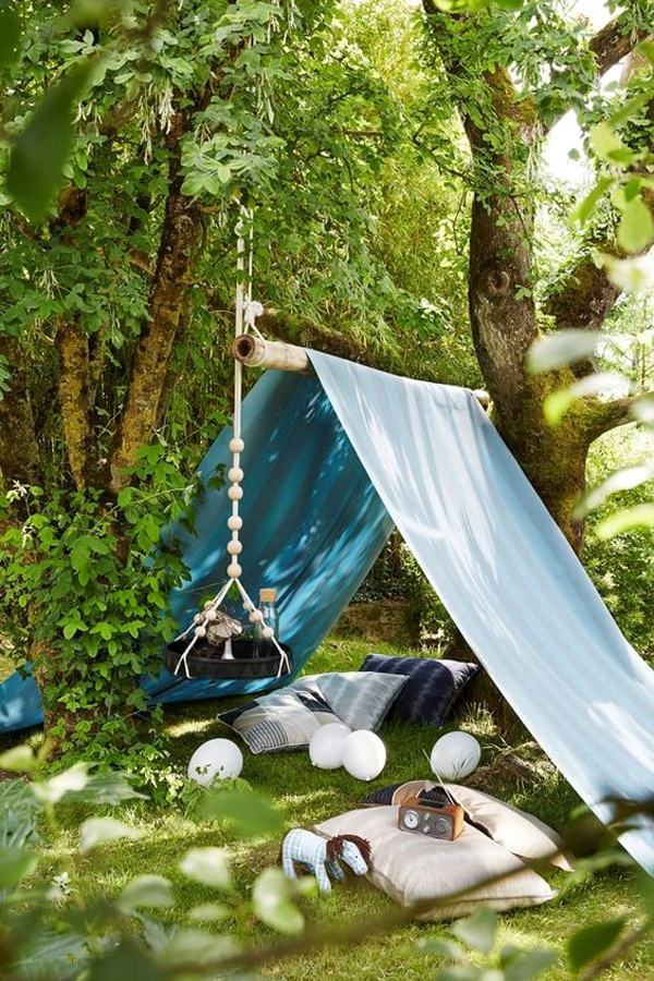 diy-outdoor-play-tent-for-reading-nook