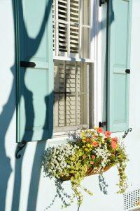 easy-diy-window-flower-box-for-romantic-feel