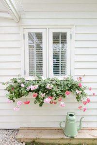 farmhouse-style-window-flower-box