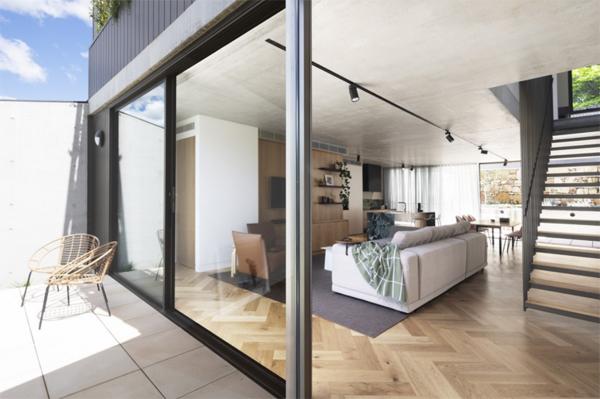 indoor-outdoor-townhouse-interior