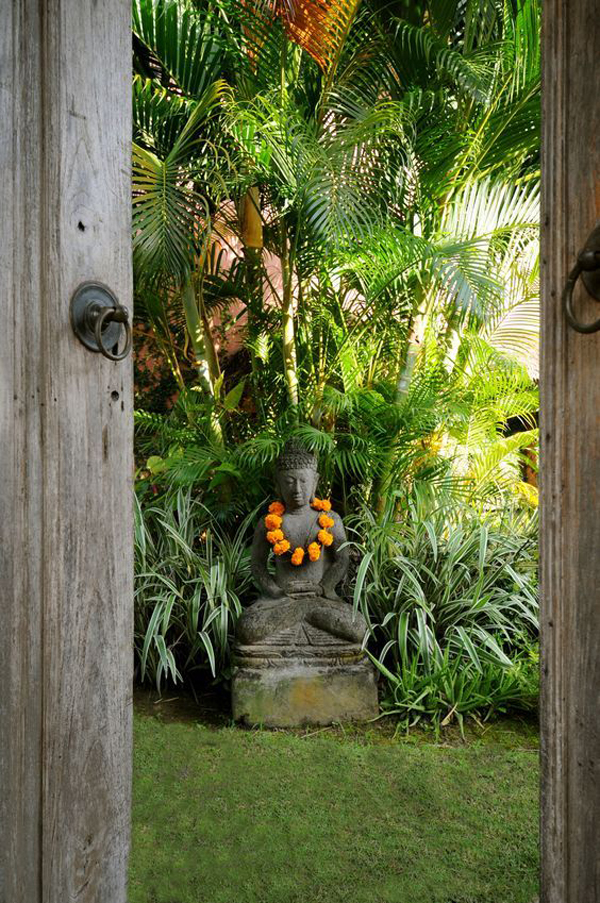 inspired-bali-garden-ideas-with-statue