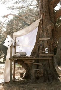 kid-treehouse-with-reading-nooks