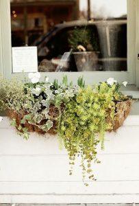 minimalisy-diy-window-flower-box-ideas