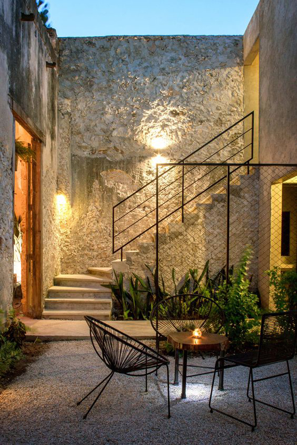 modern-outdoor-stairs-with-lighting-decor