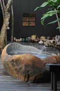 natural-stune-bathtub-in-outdoor