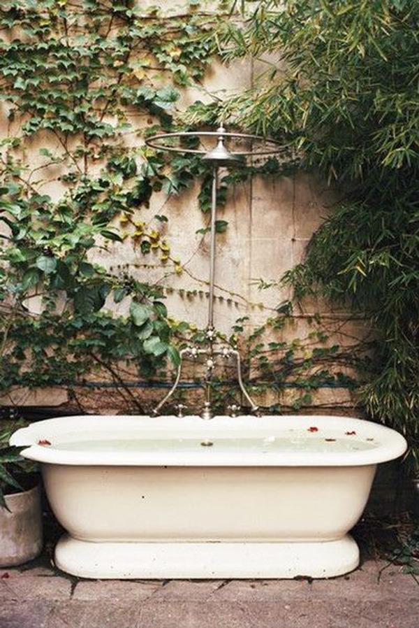 outdoor-classic-tub-designs