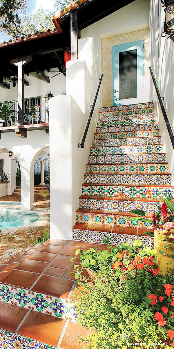 outdoor-hand-painted-tile-staircase-design