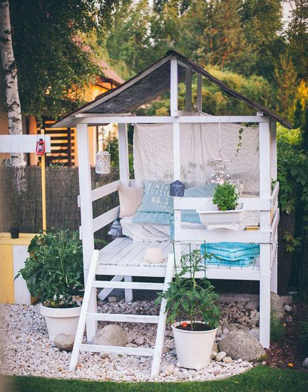outdoor-playhouse-reading-nook-for-kids