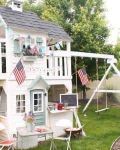 patriotic-backyard-ideas-with-playhouses
