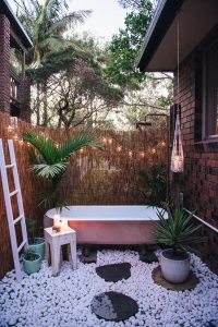 pink-outdoor-tub-ideas-with-pastel-color