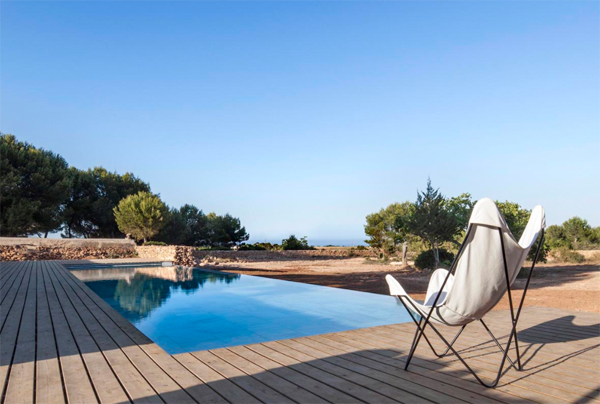 pool-and-outdoor-seating-areas