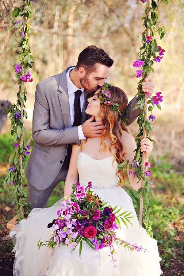 romantic-wedding-ideas-for-floral-tree-swing