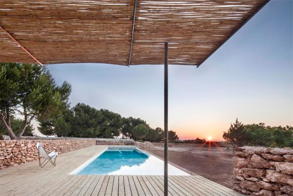 simple-outdoor-deck-pool