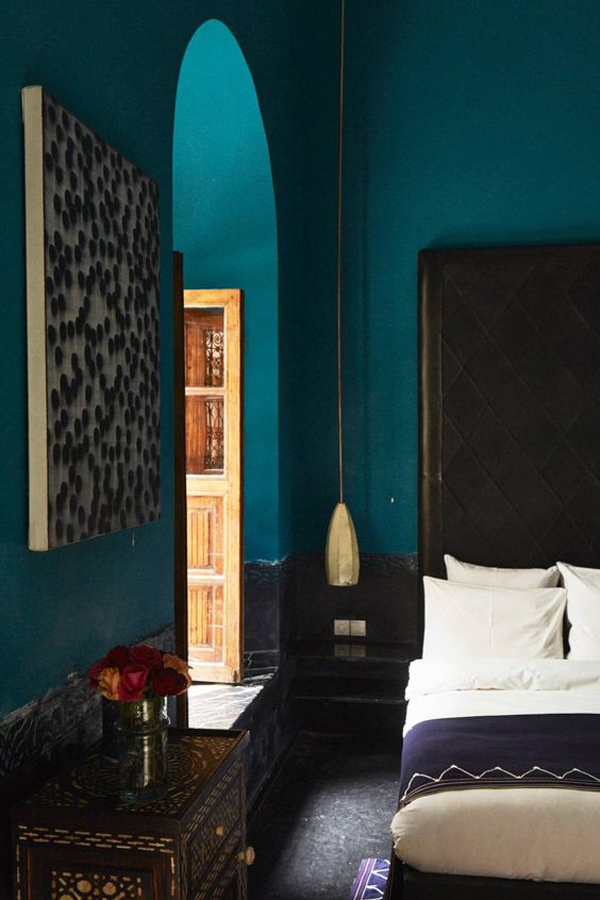 teal-blue-moroccan-bedroom-design