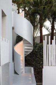 tiny-spiral-oitdoor-stair-design