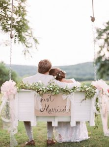 wedding-diy-floral-tree-swing-with-sign