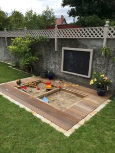 wooden-backyard-kid-sandbox-with-chalkboard-ideas