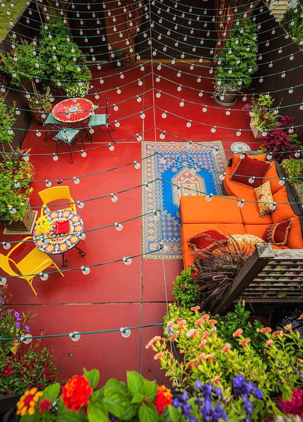 backyard-retreat-with-full-of-lights-and-colors
