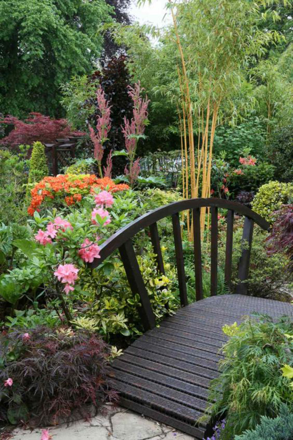 beautiful-backyard-bridge-garden-ideas