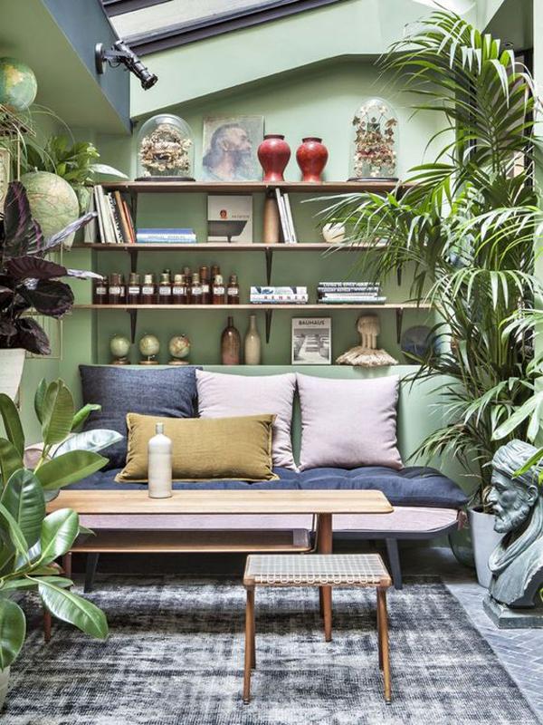 bright-jungle-family-room-design