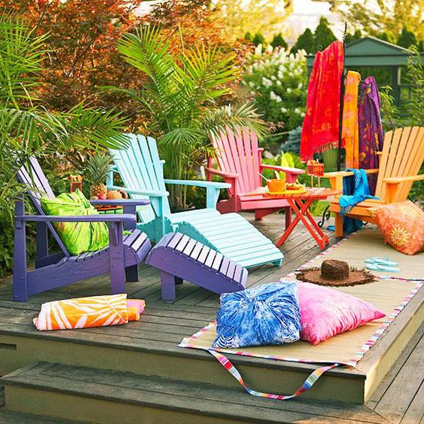 colorful-backyard-deck-decorating-ideas