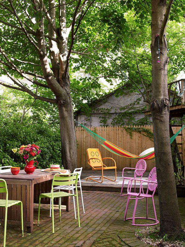 colorful-backyard-decks-with-colorful-furniture