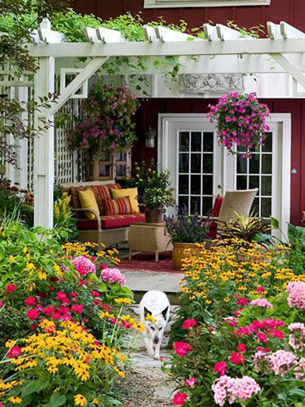 colorful-backyard-pergola-with-flower-garden
