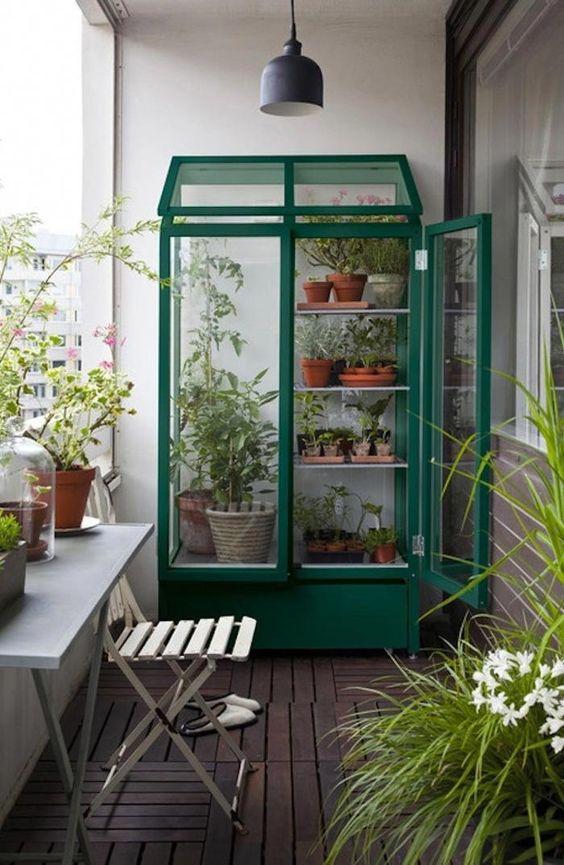 cool-and-minimalist-balcony-garden-decor
