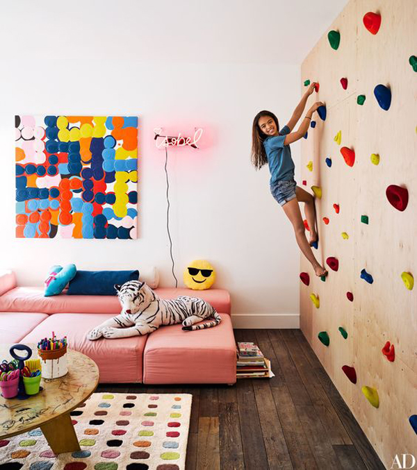 cute-living-room-with-climbing-walls