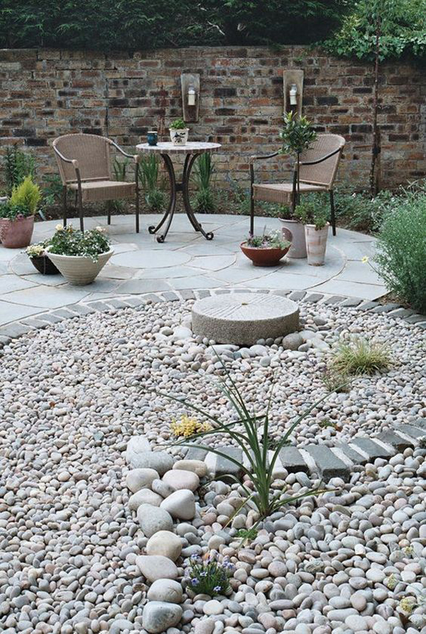 diy-gravel-landscaping-for-backyard-lounge