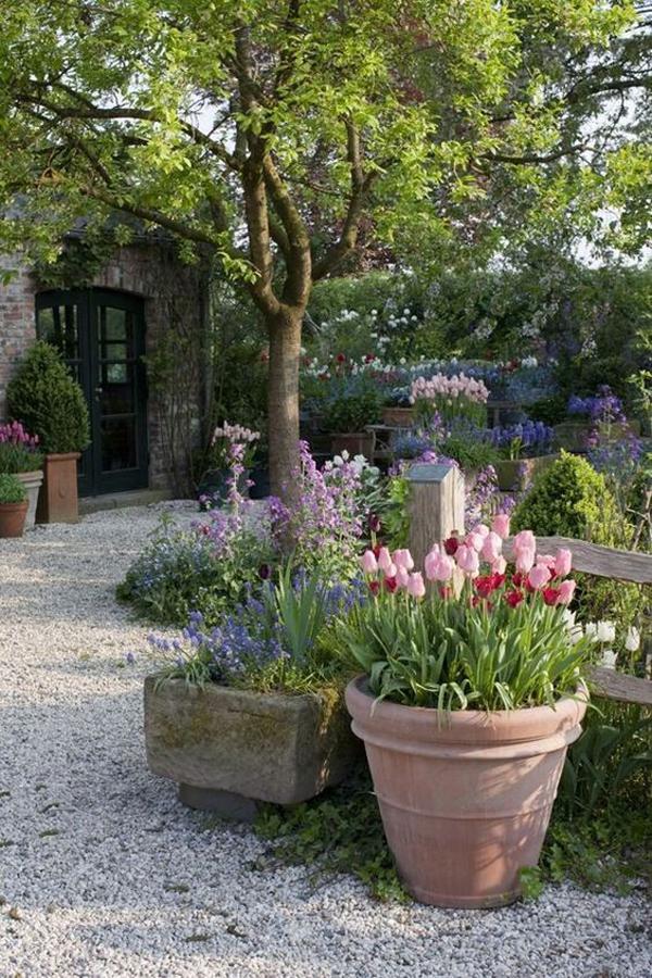easy-diy-gravel-backyard-landscapes