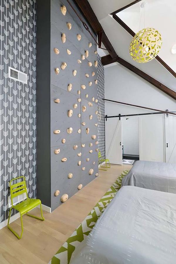 fun-climbing-walls-in-kid-room