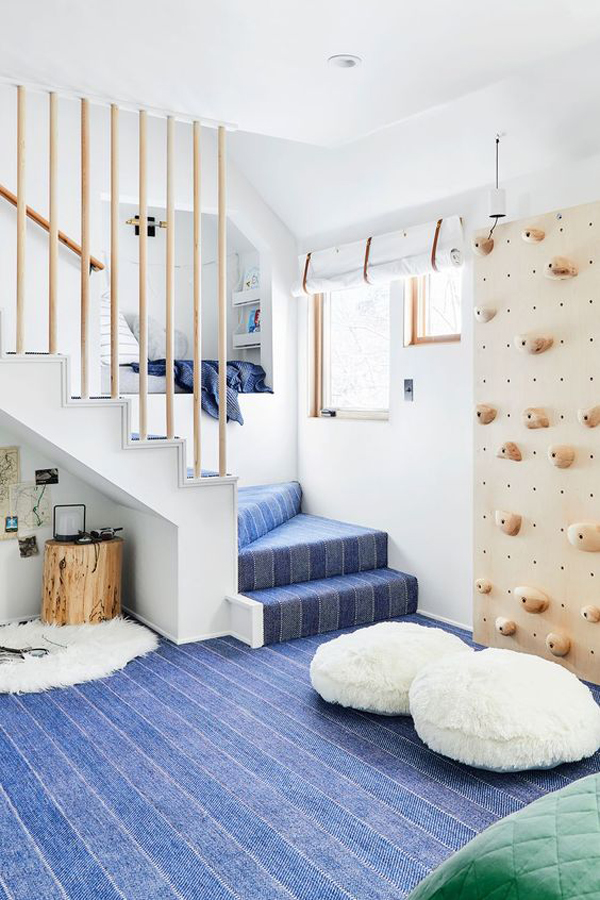 indoor-climbing-wall-under-the-stairs