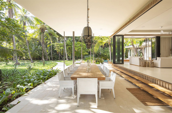 indoor-outdoor-beach-dining-room