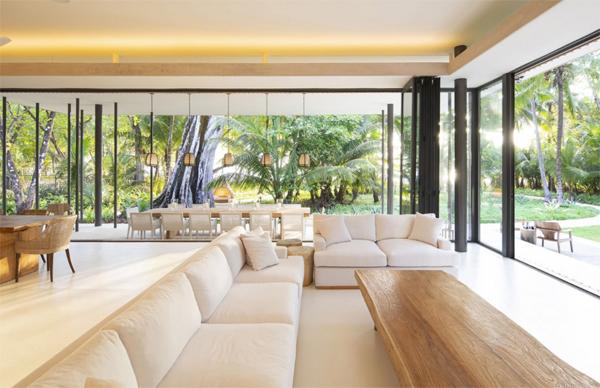 indoor-outdoor-beach-living-room
