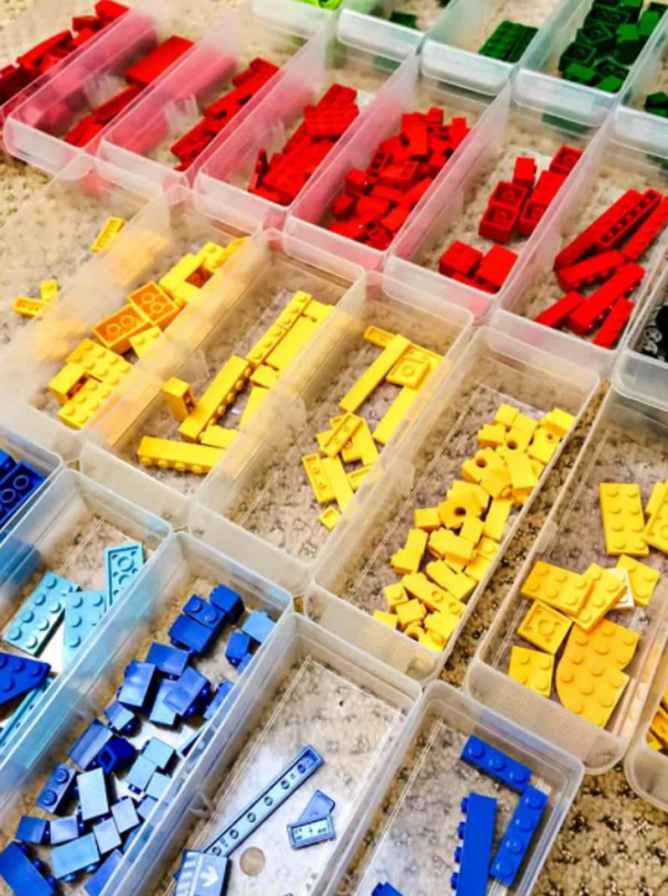 lego-bin-stoage-sorted-by-pieces