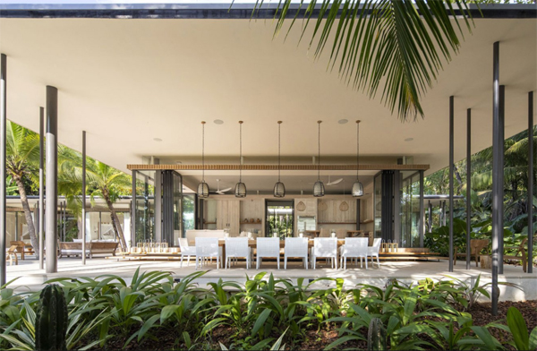 luxury-outdoor-dining-room-with-beach-style