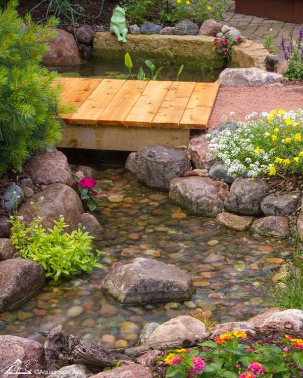 minimalist-backyard-garden-bridge